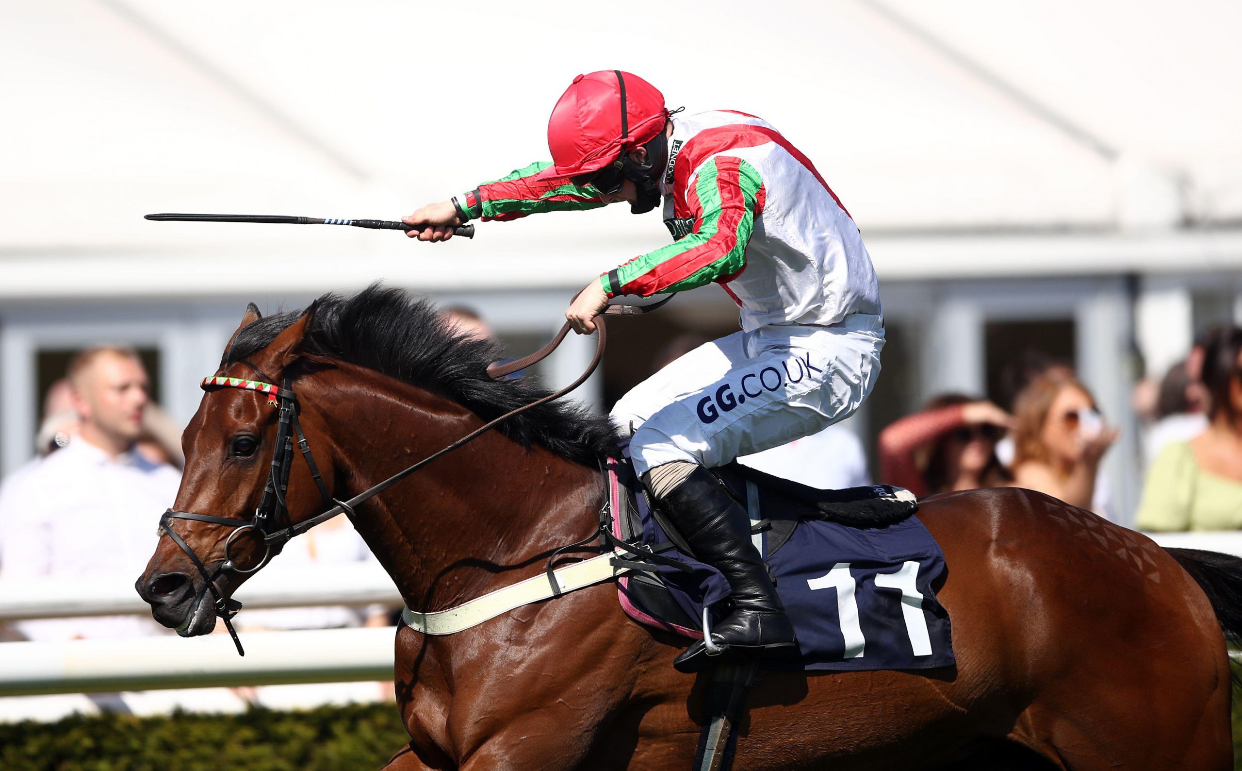 2FYX691 Francky Du Berlais ridden by jockey Sean Bowen on their way to winning the Clarke Chase at Uttoxeter Racecourse. Picture date: Sunday May 30, 2021.